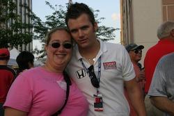 Dan Wheldon and a fan