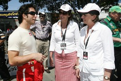 Bruno Junqueira with the Premier of Queensland Anna Bligh