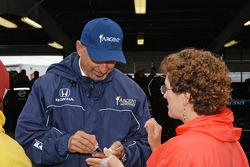 Bobby Rahal signs autographs