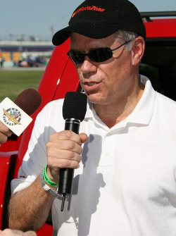 Autozone exex Jim Shea gives the command to start the engines