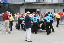 Fans line the road to Gasoline Alley