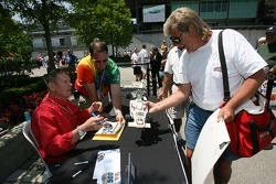 Autograph session for Bobby Unser