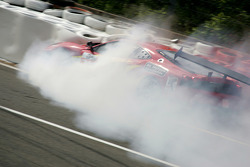 Accidente del #72 AF Corse Ferrari F430: Robert Kauffman, Rui Aguas, Michael Waltrip