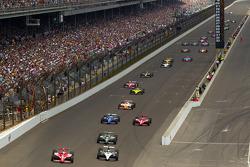 Scott Dixon, Target Chip Ganassi Racing and Alex Tagliani, Sam Schmidt Motorsports battle for the lead