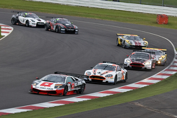 #38 All-Inkl M__nich Lamborgini Murcielago 670 R-SV GT1: Mark Basseng, Markus Winklehok leads a group