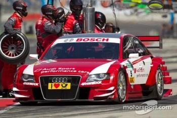 Pit stop for Oliver Jarvis, Audi Sport Team Abt Sportsline Audi A4 DTM