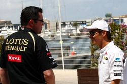 Eric Boullier, Team Principal, Lotus Renault GP and Kamui Kobayashi, Sauber F1 Team