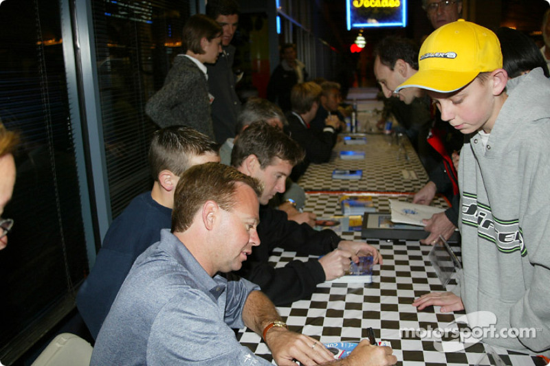 Autograph session: Billy Boat