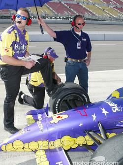 Foyt racing crew members