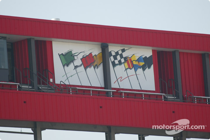 Drapeaux au California Speedway