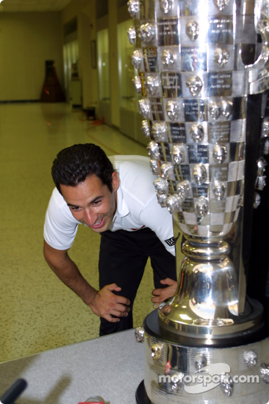Borg Warner Trophy conference: Helio Castroneves with the Borg Warner Trophy