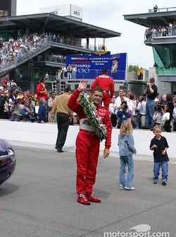 Gil de Ferran after the victory lap