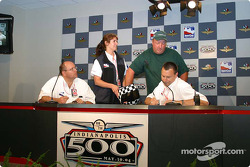 A.J. Foyt III draws for A.J. Foyt IV