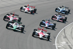 Start: Helio Castroneves and Tony Kanaan battle