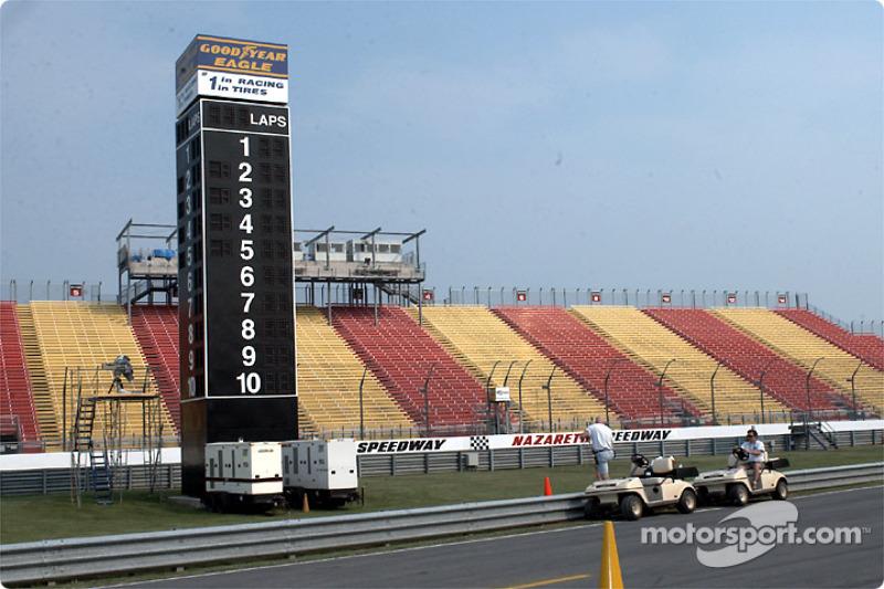 Main grandstand, scoring pylon