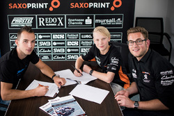 Patrik Pulkkinen and Jakub Kornfeil sign with Peugeot Saxoprint