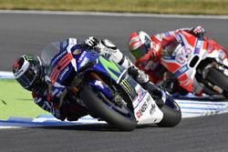 Jorge Lorenzo, Yamaha Factory Racing; Andrea Dovizioso, Ducati Team