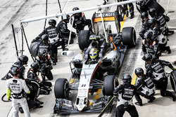 Sergio Perez, Force India F1 VJM09 pit stop