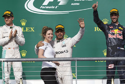 Lewis Hamilton, Mercedes AMG F1, Victoria Vowles, Mercedes AMG F1