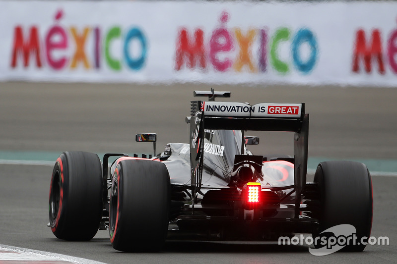 13. Jenson Button, McLaren MP4-31