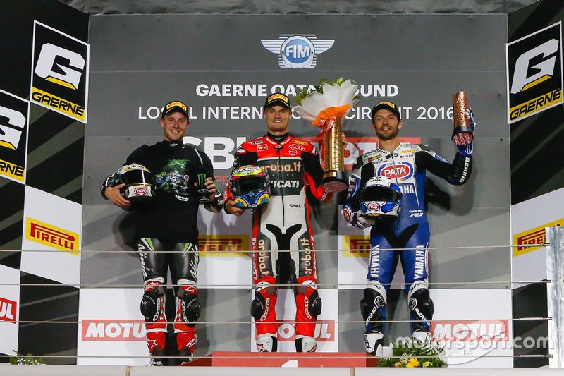 Podio: Ganador de la carrera Chaz Davies, equipo Ducati; segundo lugar Jonathan Rea, Kawasaki Racing; tercer lugar Sylvain Guintoli, Pata Yamaha