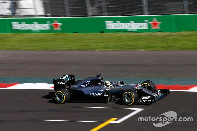 1. Lewis Hamilton, Mercedes AMG F1 W07 Hybrid