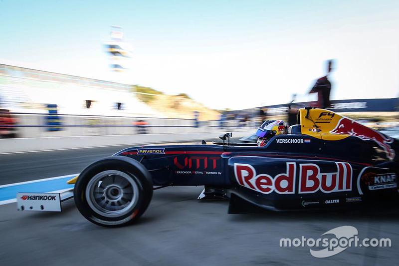 Hoeveel van de 40 races won Red Bull-junior Richard Verschoor dit jaar in de Formule 4-kampioenschappen van Noord Europa en Spanje gezamenlijk?