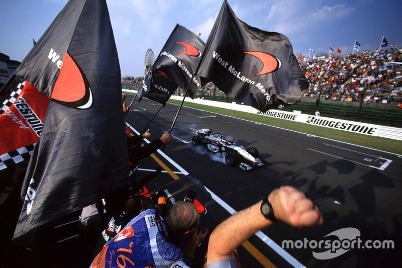 Финиш: Мика Хаккинен, McLaren