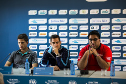 Mitch Evans, Jaguar Racing; Sebastien Buemi, Renault e.Dams and Dilbagh Gill, Team Principal Mahindra Racing