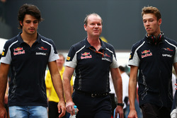 Carlos Sainz Jr., Scuderia Toro Rosso with Daniil Kvyat, Scuderia Toro Rosso (Right)