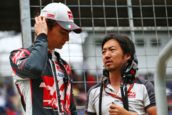 (L to R): Esteban Gutierrez, Haas F1 Team with Ayao Komatsu, Haas F1 Team Race Engineer