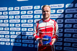 Pole position for Felix Rosenqvist, Mahindra Racing