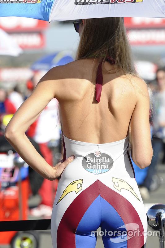 Grid girl Estrella Galicia 0,0 Marc VDS