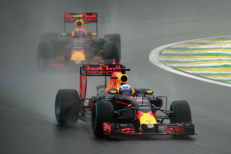 Red Bull Racing: 19 очков