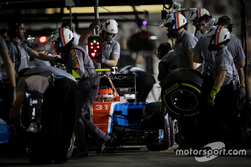 20. Эстебан Окон, Manor Racing MRT05