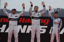 Fernando Alonso, Jenson Button y Takuma Sato