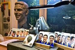 Alexander Rossi Borg Warner trophy