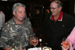 NASCAR VP of Corporate Communications Jim Hunter ve NASCAR Busch series sürücüsü Tommy Houston