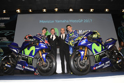 Valentino Rossi, Yamaha Factory Racing, Maverick Viñales, Yamaha Factory Racing, Lin Jarvis, Director General de Yamaha Factory Racing, Massimo Meregalli, Yamaha Factory Racing Team Director