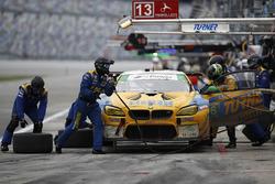 #96 Turner Motorsport BMW M6 GT3: Jens Klingmann, Justin Marks, Maxime Martin, Jesse Krohn, pit action
