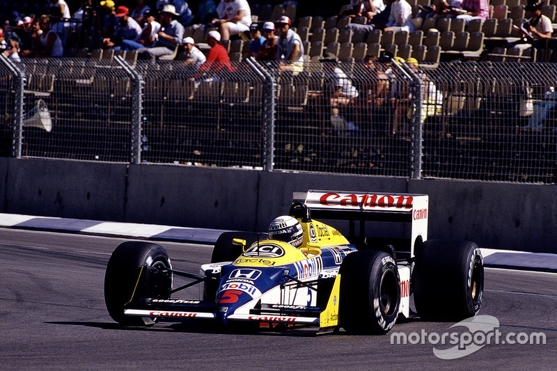 #5: Riccardo Patrese, Williams FW11B, Honda