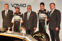 Andy Green, Sergio Perez, Vijay Mallya, Esteban Ocon und Otmar Szafnauer