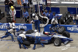 Pitstop for Max Papis