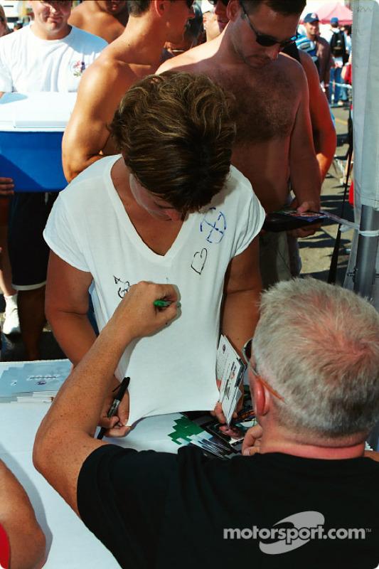 Séance d'autographes
