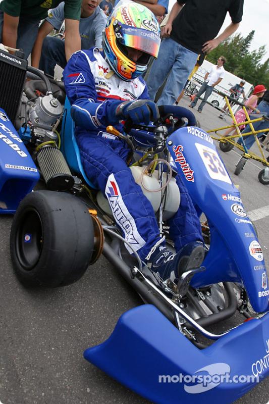 Course de karting Rocketsports-Tagliani : Alex Tagliani se prépare à prendre la piste