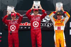 Podium: race winner Dario Franchitti, Target Chip Ganassi Racing, second place Scott Dixon, Target Chip Ganassi Racing, third place Ryan Hunter-Reay, Andretti Autosport