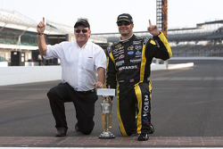 1. Paul Menard, Richard Childress Racing Chevrolet, mit Richard Childress