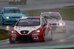 Alexey Dudukalo, Seat Leon 2.0 TDI, Lukoil - Sunred and Kristian Poulsen BMW 320 TC, Liqui Moly Team Engstler