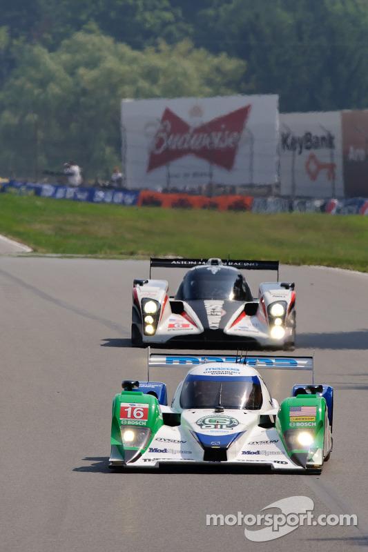 #6 Muscle Milk Aston Martin Racing AMR/Lola Coupe B08/62: Lucas Luhr, Klaus Graf, #16 Dyson Racing T