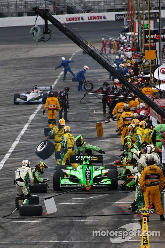 Pit stop for Danica Patrick, Andretti Autosport